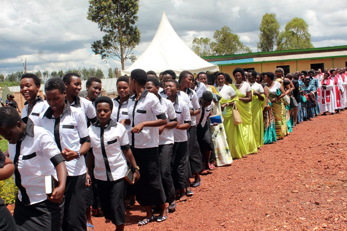 Lutherans in Rwanda sing and dance during celebrations at Kirehe parish to mark the 25th anniversary of the founding of their church. All photos: Neng'ida Johaness-Lairumbe/ELCT