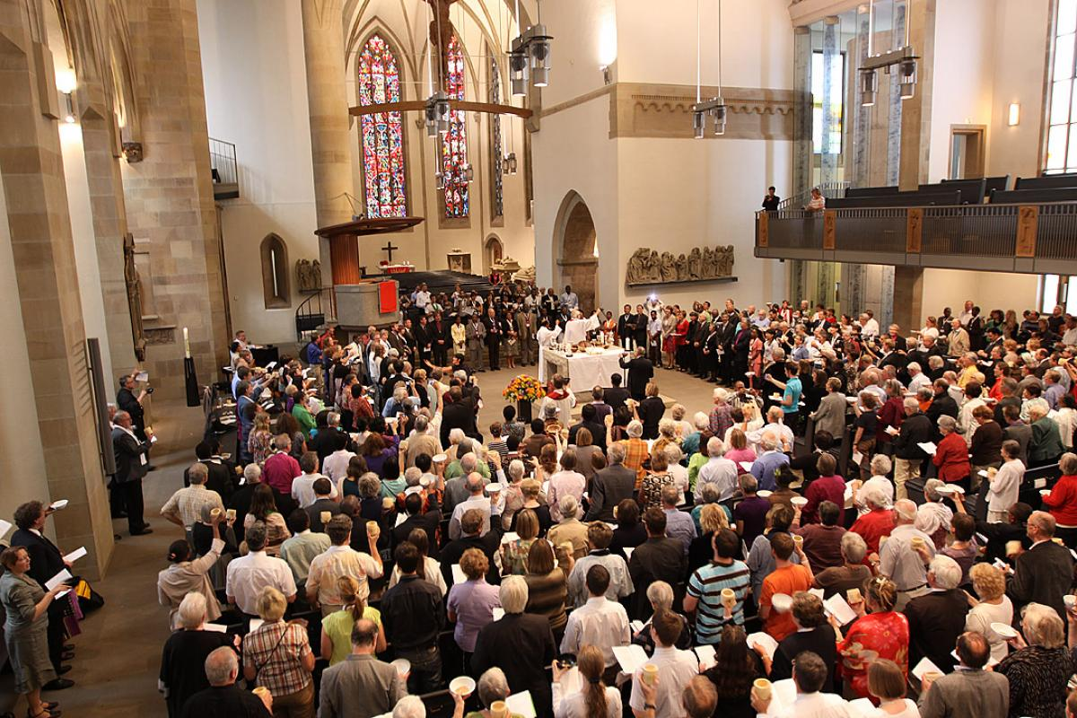 Eucharistic service at the LWF Eleventh Assembly 2010 in Stuttgart, Germany. Photo: LWF/J. Latva-Hakuni