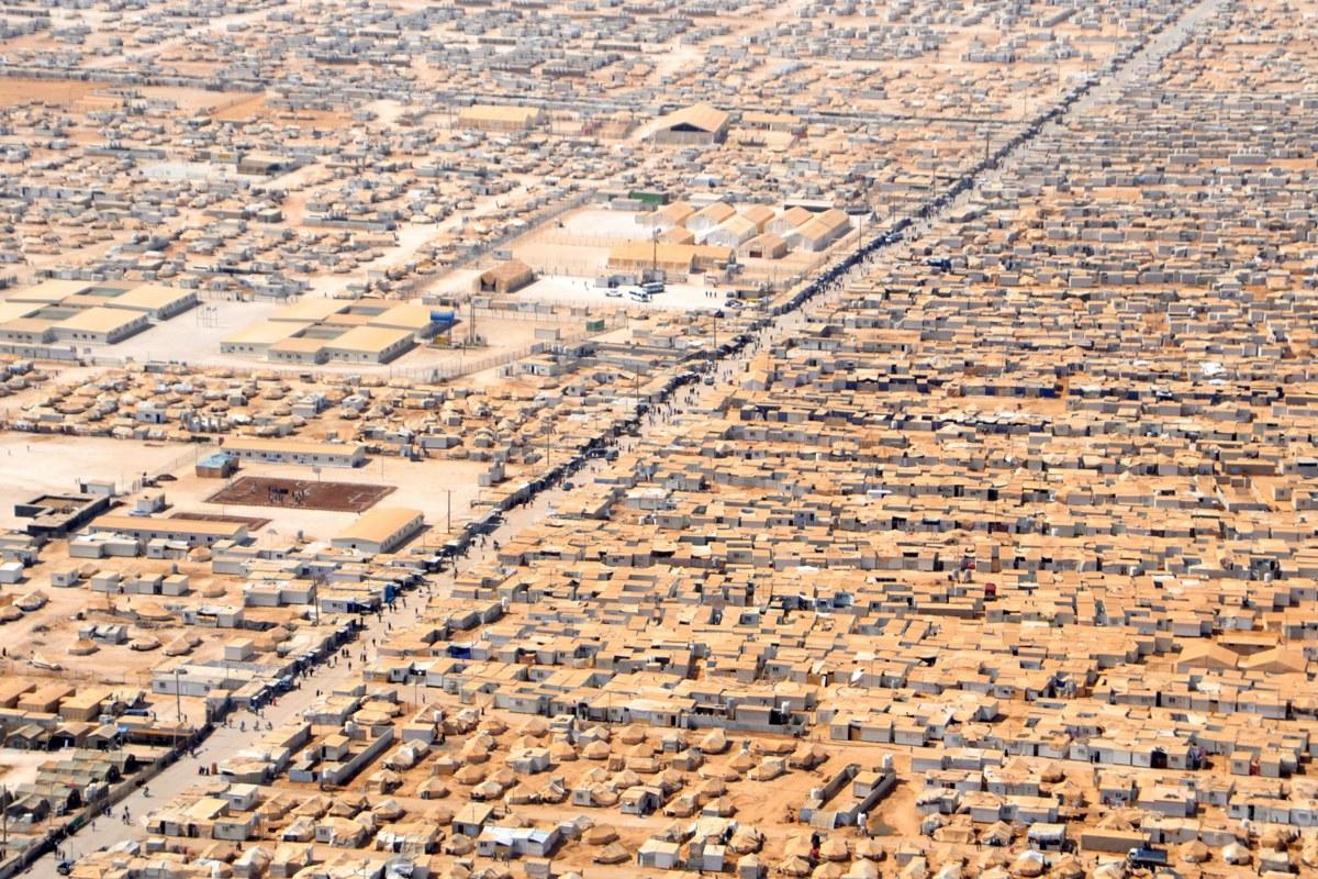 The Za'atri camp in Jordan is home to about 80000 refugees. The LWF calls for a rapid, adequate, and inclusive response that protects the human rights of all, and ensures that the needs of the most vulnerable are met. Photo: Public Domain/Wikipedia.