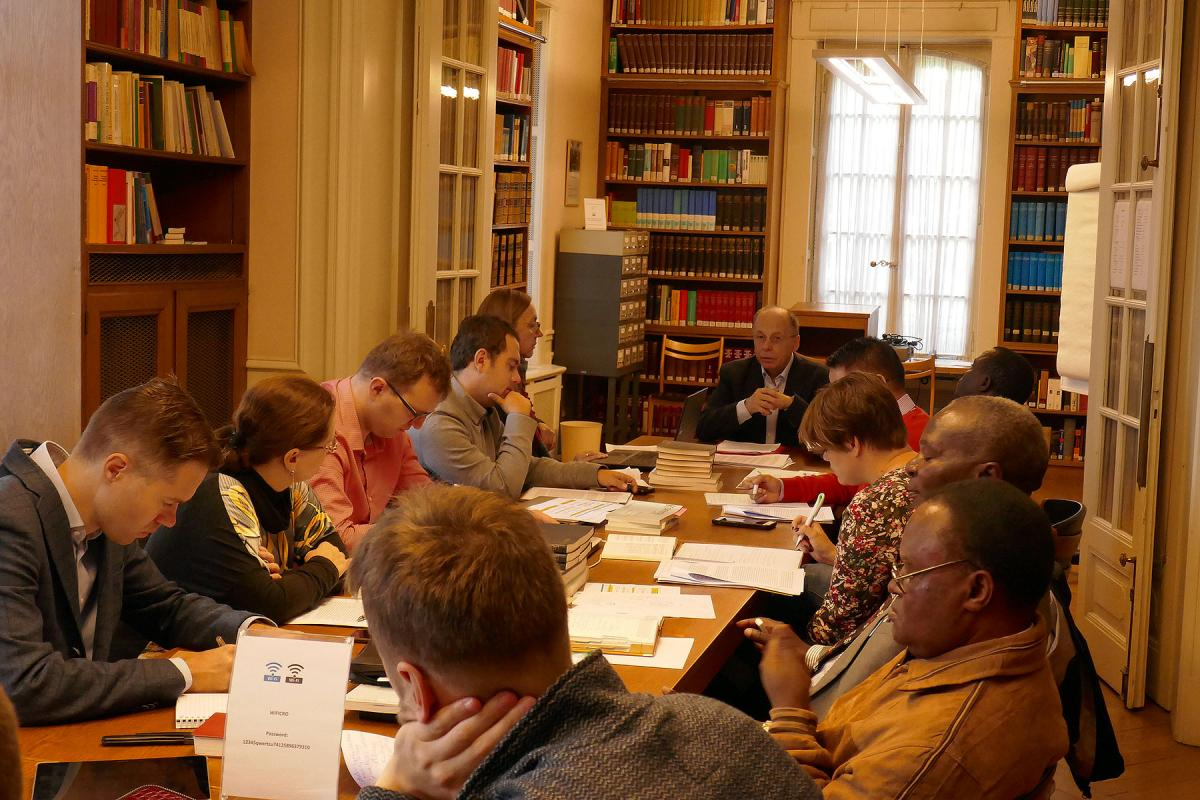"""Participants of the first seminar """"Studying Ecumenism in Strasbourg"""" during one of the intensive working sessions. Photo: Elke Leypold, Institute for Ecumenical Research"""