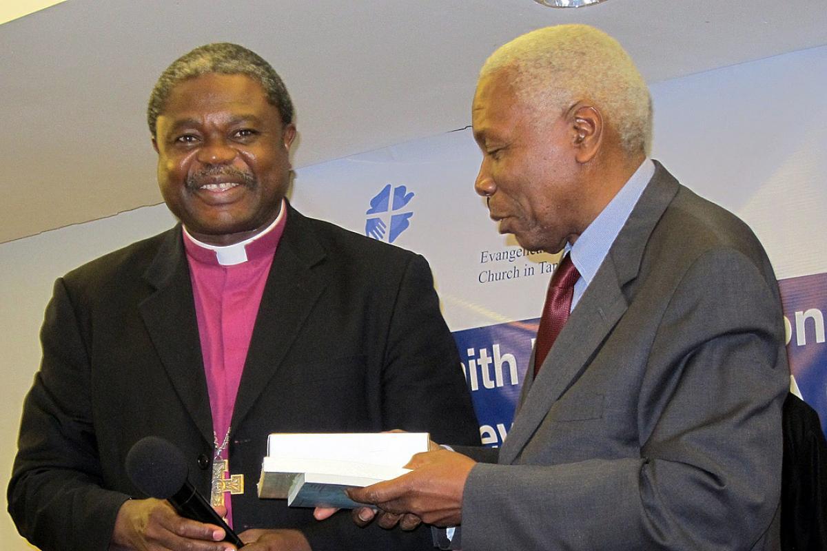 Bishop Dr Malasusa and Dr Mohamed Gharib Bilal. Photo: LWF/I. Benesch