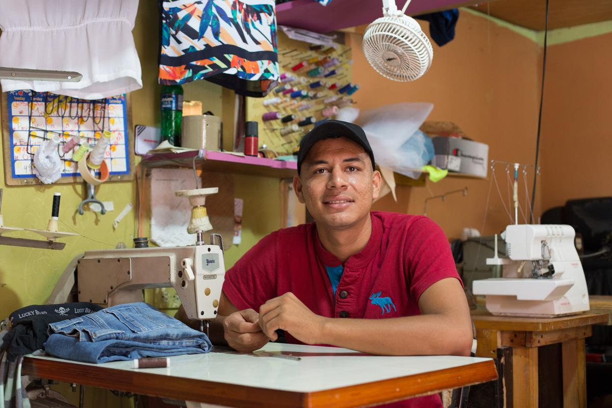 Carlos Hernandez migrated from Olancho, Honduras, a region heavily affected by climate change and social violence. Photo: Sean Hawkey/ LWF