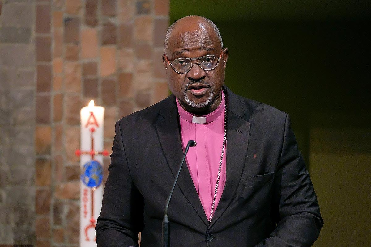 LWF president Archbishop Dr Panti Filibus Musa speaking at the VELKD General Synod in Bonn, Germany. Photo: epd/Norbert Neetz.