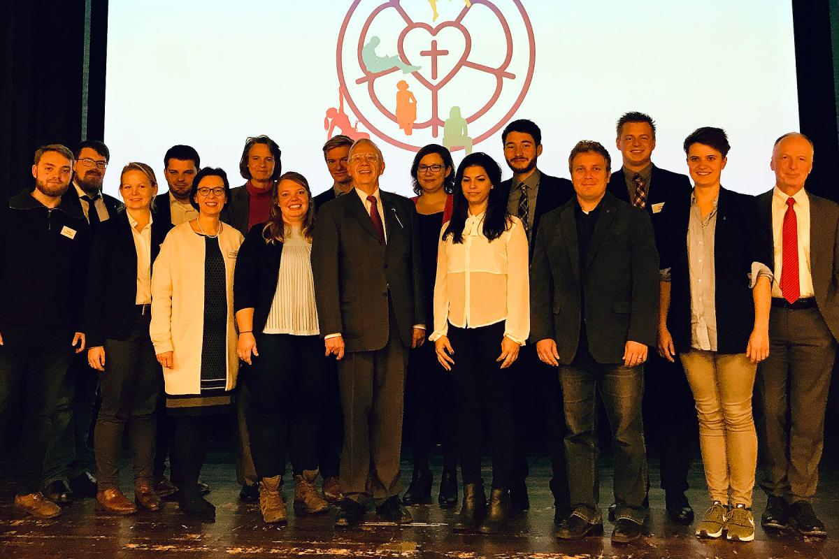 Members of the Presidium of the VELKD General Synod with youth delegates from member church synods and the LWF, and other guests. Photo: VELKD