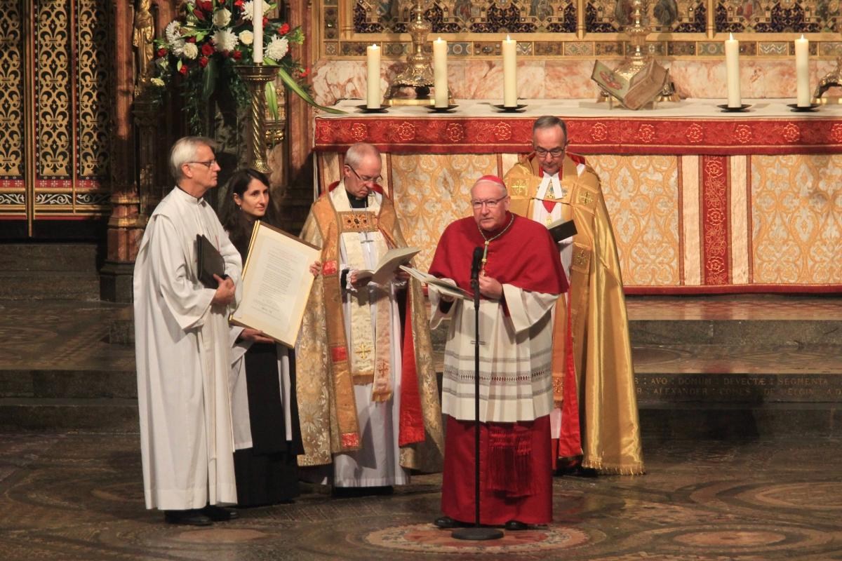 A service to mark the 500th anniversary of the Reformation was held at Westminster Abbey, London. From left: the LWF General Secretary Rev. Dr Martin Junge, the Reverend Isabelle Hamley, the Archbishop of Canterbury Justin Welby, the PCPCU Secretary Bishop Dr. Brian Farrell, the Dean of Westminster Rev. Dr John Hall. Photo: Andrew Dunsmore/Westminster Abbey