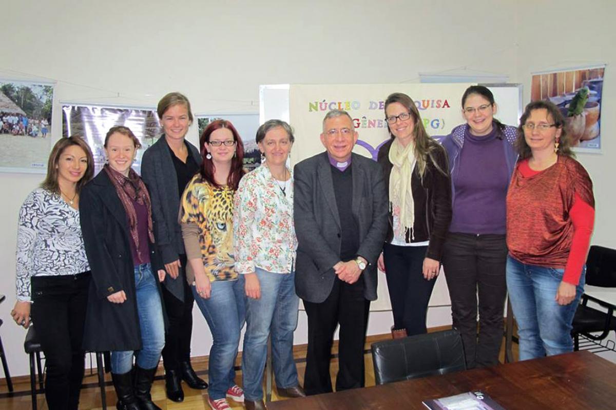 LWF President Bishop Dr Munib A. Younan, with members of the EST Gender Research group in São Leopoldo. Photo: EST/ Adriana Gastellu