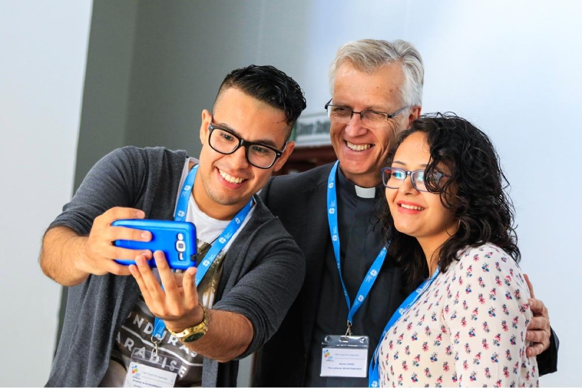 LWF General Secretary with the delegates at Youth Pre-Assembly. Photo: LWF/Johanan Celine Valeriano
